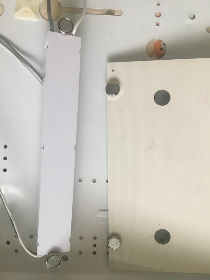 네오디뮴 자석으로 설치 간편